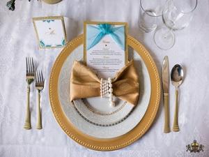 vividesign-Gold-Wedding-Inspiration-KnotsVilla-Menu